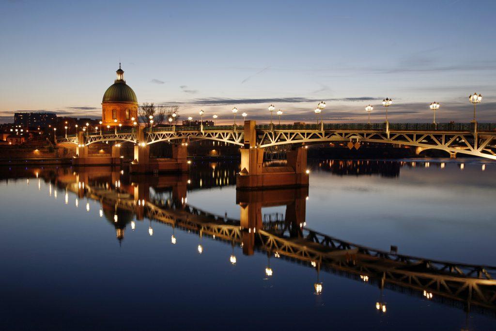 Attentat de Toulouse - Diocèse de Versailles: http://www.catholique78.fr/eglise-en-yvelines/espace-presse/attentat-de-toulouse/