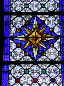 Coignières, vitrail nef, étoile