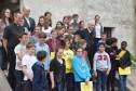 Mgr Aumonier et les 6e du collège Saint FRançois d'Assise Guyancourt
