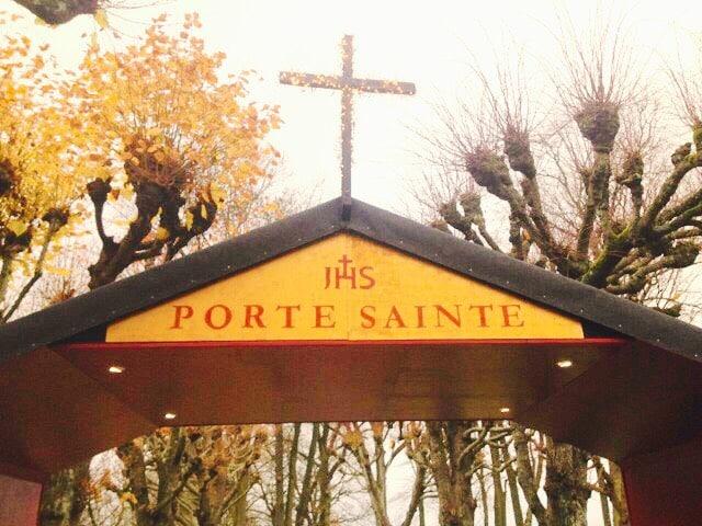 Une porte jubilaire notre dame de la mer dioc se de - Les beatitudes une secte aux portes du vatican ...