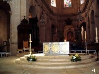 78-versailles-cath-autel-tfp.jpg