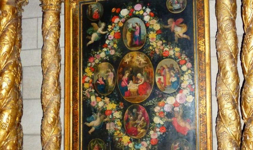 retable, tableau entouré des colonnes dorées