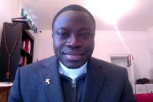 prêtre étudiant